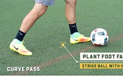 Soccer Curve Pass